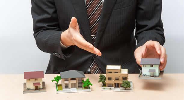 宅建とはどんな資格?宅建士はどんな職業?資格の概要や仕事内容・活躍業界
